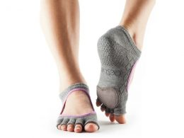 HALF TOE PLIE IN FISHNET STORM BY TOESOX